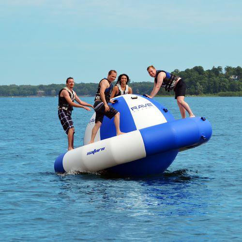 equipamento de diversão aquática planeta