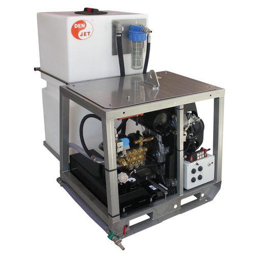 lavadora de alta pressão para estaleiro naval / para montagem em suporte / com motor a gasolina