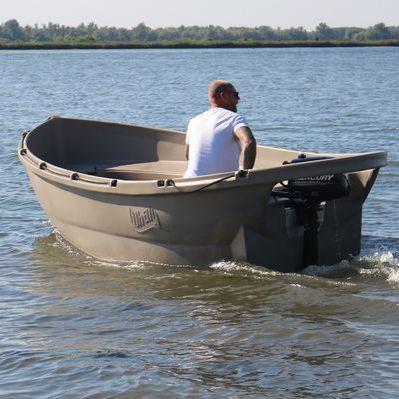 bote com motor de popa / clássico / máx. 4 pessoas