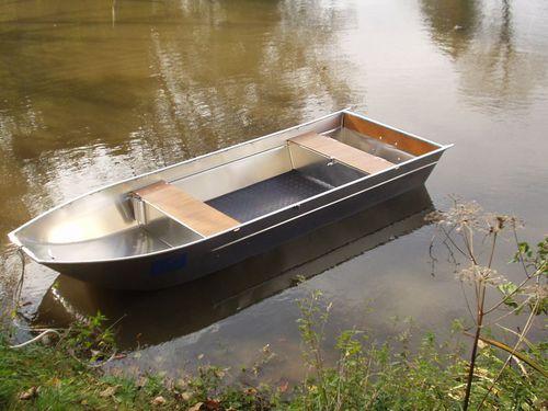bote com motor de popa / em alumínio / máx. 4 pessoas