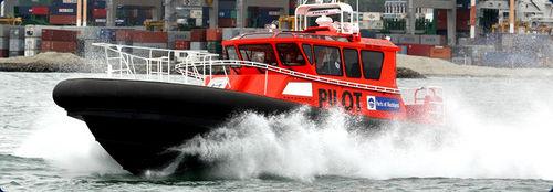 barco para transporte de pilotos