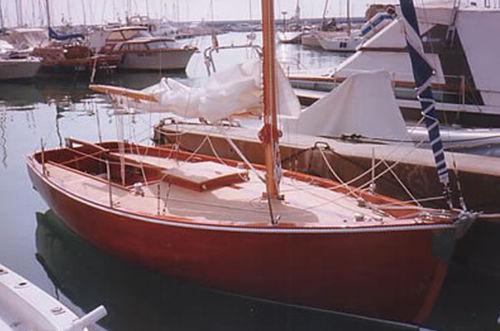 monocasco / de cruzeiro costeiro / de popa aberta / em madeira