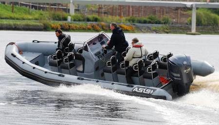 barco para transporte de tripulação / com motor de popa
