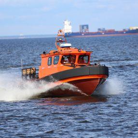 barco de busca e salvamento / com motor de centro / em alumínio