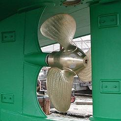 hélice para navio / de passo controlável / com linha de eixo / 4 pás