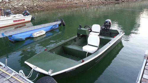 jon boat com motor de popa / de pesca esportiva / em alumínio