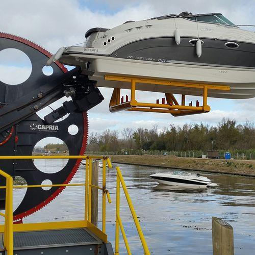 sistema de lançamento na água para barco