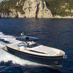 lancha Express Cruiser com motor de centro / open / com console central / gozzo