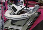 barco inflável com motor de centro / elétrico / semirrígido / com console central