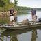 jon boat com motor de popa / com console lateral / de pesca esportiva / em alumínio
