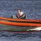 barco inflável com motor de popa / semirrígido / com console jockey / máx. 8 pessoas
