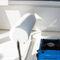 barco de pesca-passeio com motor de popa / com casa do leme / de pesca e passeio / em fibra de vidro