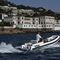 barco inflável com hidrojato