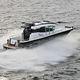 lancha Express Cruiser com motor de centro / a diesel / bimotor / com casa do leme